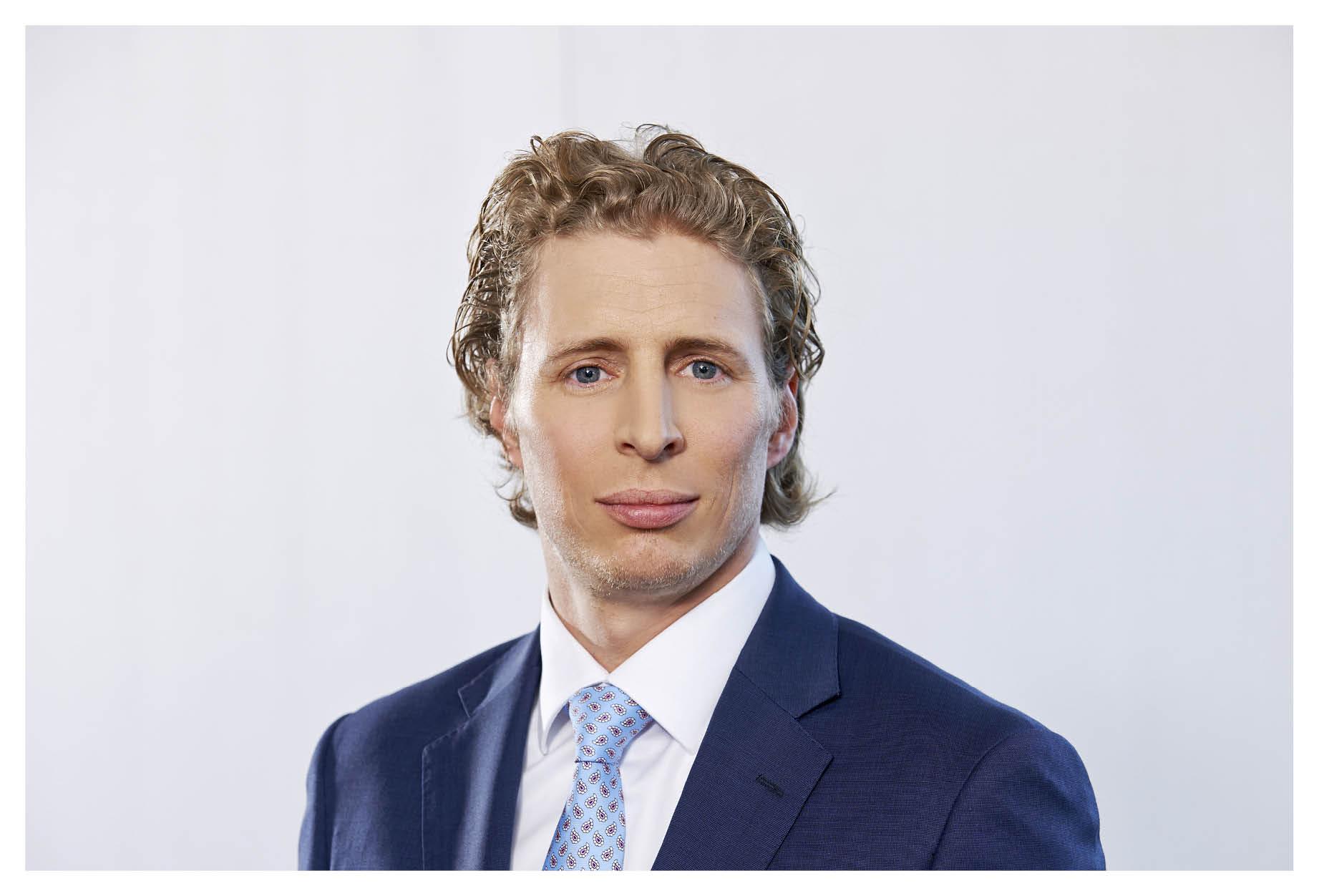 Dr.  Matthias Niedermüller